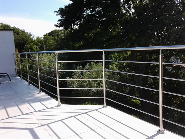 stainless steel balcony railings aston inox. Black Bedroom Furniture Sets. Home Design Ideas